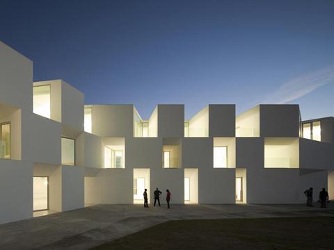 L acqua disfa li monti e riempe le valli leonardo for Piccole case di architettura moderna