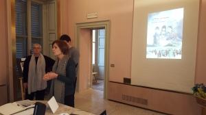 La sindaco di Usmate Velate sig.ra Maria Elena Riva e una delle organizzatrici della mostra Vivienne Maccari
